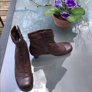 La Canadienne Women's Brown Leather Ankle Boot 9.5
